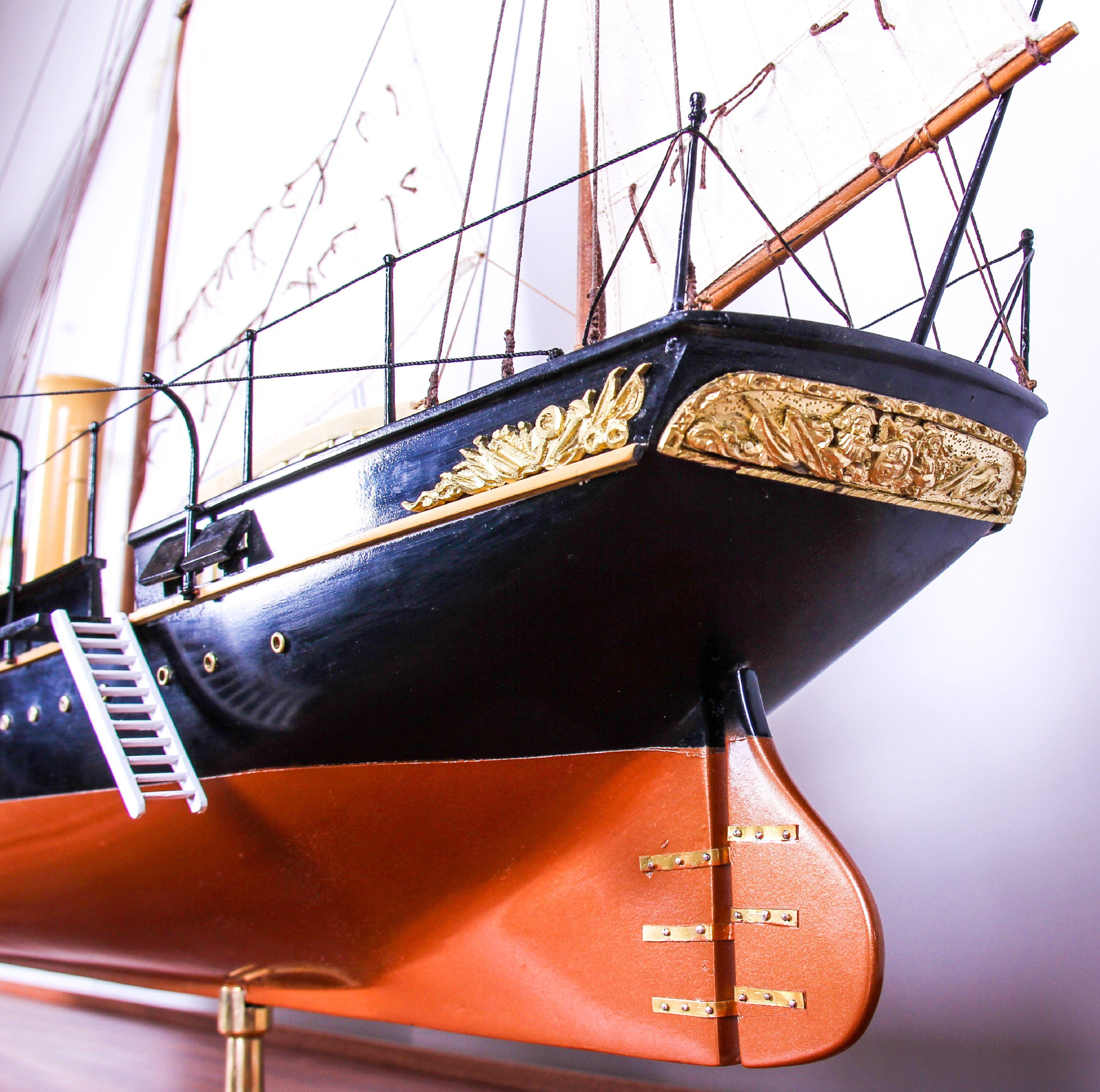 1689-9558-Royal-Yacht-HMS-Alberta