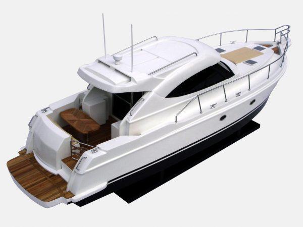 Maquette de bateau Riviera 4700 - GN (SB0017P)