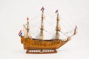Modèle navire en bois Le Maurice (gamme supérieure)