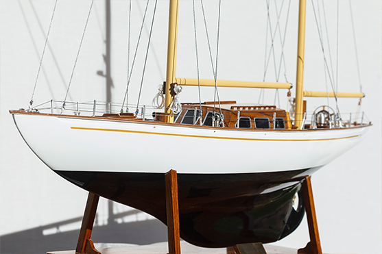 Dauphin blanc YCF Bastia Modèle de Yacht (gamme supérieure)