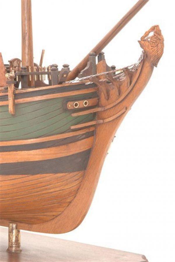 Maquette du Bounty en bois