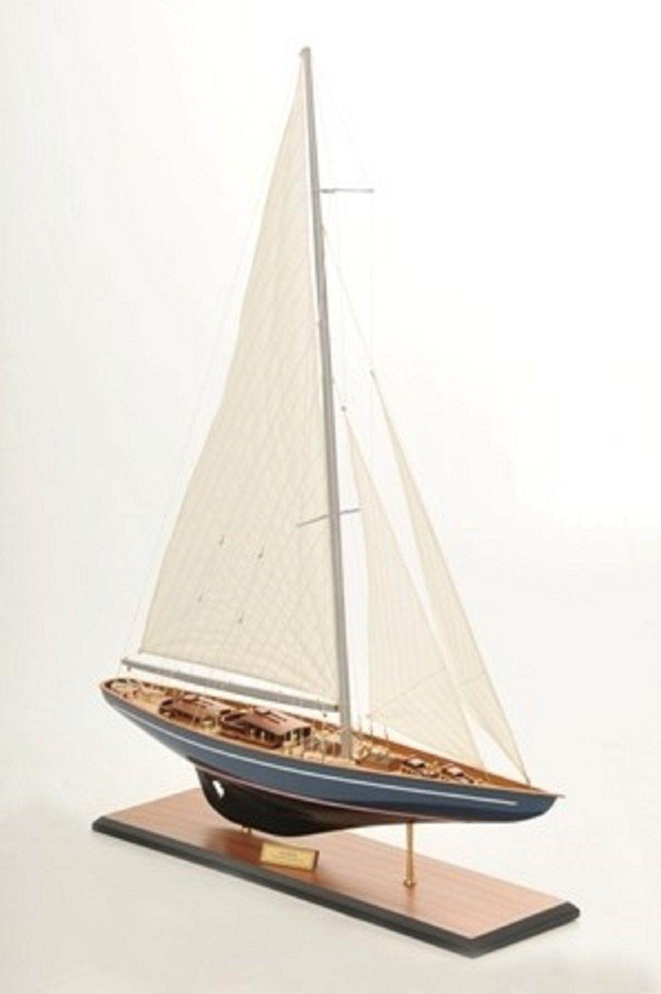 768-7709-Velsheda-Model-Yacht-Premier-Range