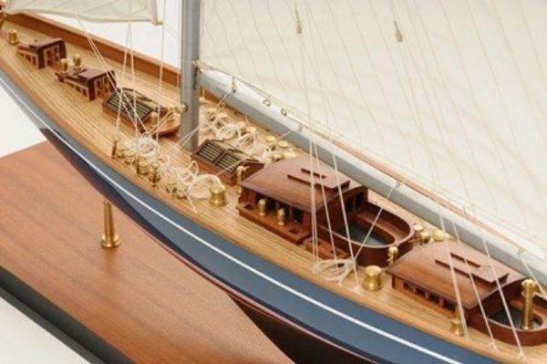 768-7711-Velsheda-Model-Yacht-Premier-Range