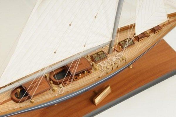 768-7713-Velsheda-Model-Yacht-Premier-Range
