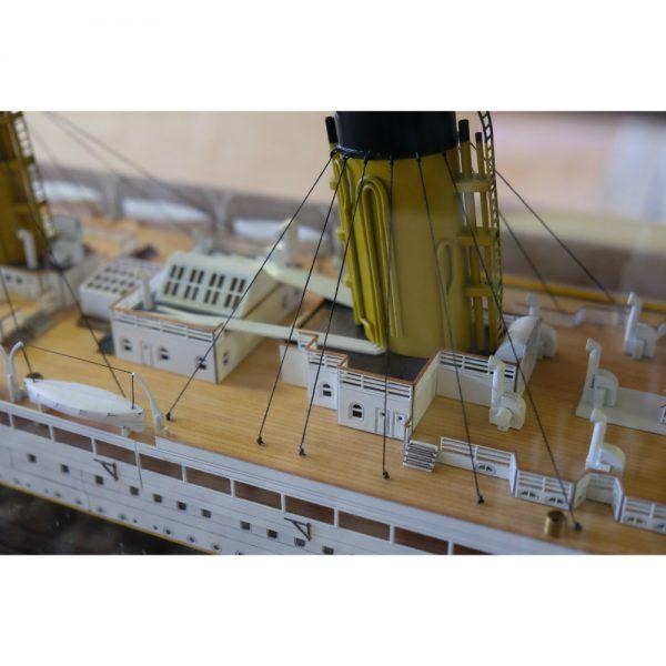 Maquette à construire - Titanic N° 3 (avant, plate-forme & décor coque) - Mantua Models (727)