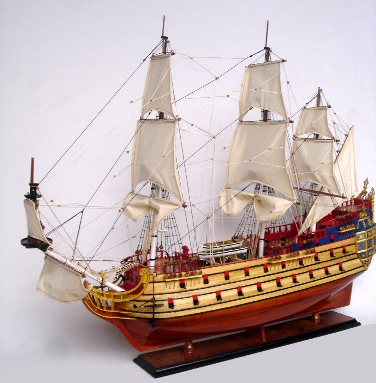 Maquette de la Licorne en bois