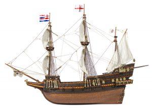 Maquette de bateau en bois Golden Hind - Occre (12003)