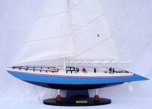 Modèle réduit de yacht Stars and Stripes (Gamme Standard) - GN (YT0023P-50)